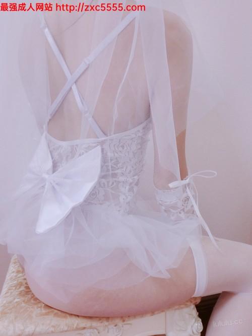 工口小妖精 40P6V 做你的新娘 自慰二十分钟